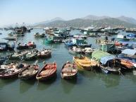 Cheung-Chau-Island-Harbor-boats (1).jpg