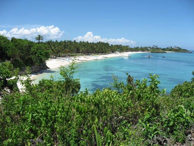 malapascua beach scene on the northern portion of the island